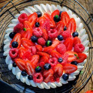 Tarte fruits rouges basilic 6 parts (822)