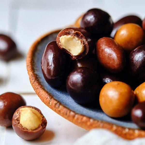 Fruits secs enrobés par Nina Métayer